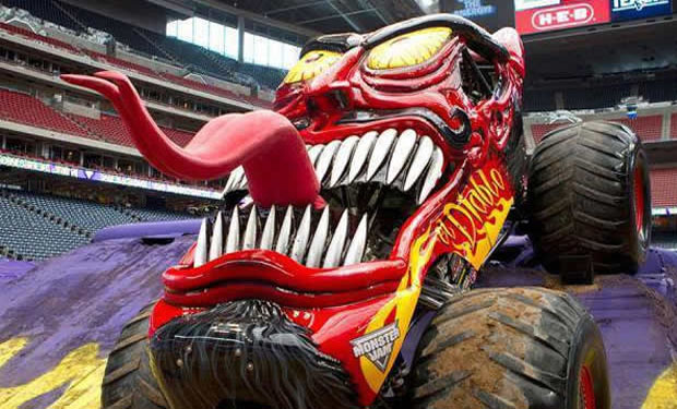remote control monster trucks with Un Exito El Monster Jam En La Ciudad De Mexico on Best Remote Control Cars For Toddlers besides Truck Of The Week 10212012 Axial Scx10 additionally A 10489978 also 25c133 14 Valor Mt Red together with RCTractorWheeledLoaderConstructionVehicle114JHC0806.